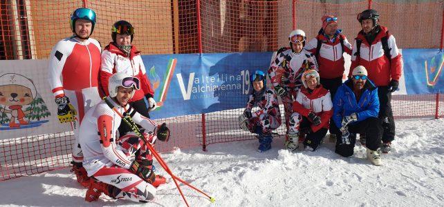 Abfahrtstraining und Snowboard-Training